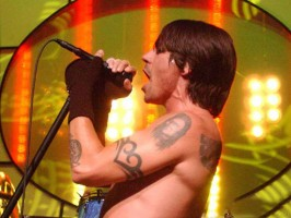 Red Hot Chili Peppers prezentują Love Of Your Life
