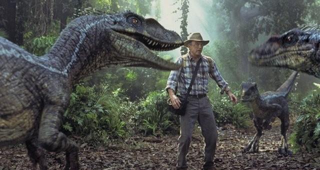 James Cameron chciał dinozaurów i obcych