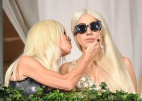 Donatella Versace zaprojektuje ślubną kreację dla Lady GaGi