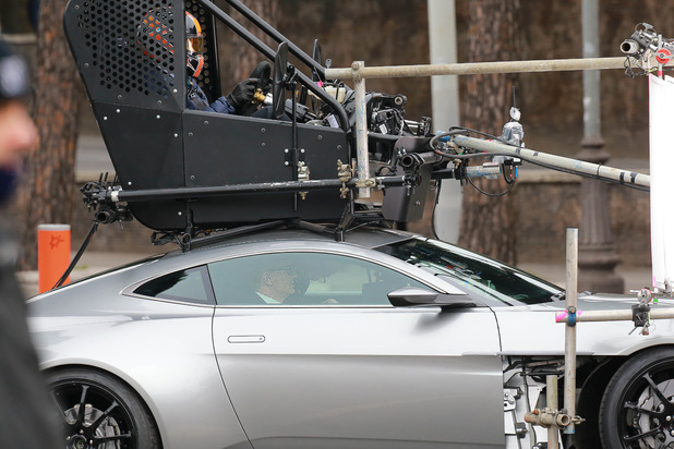movies-james-bond-spectre-filming-aston-martin-1
